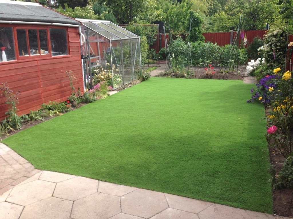 Low maintenance gardens north wales nw contractors for Low maintenance garden design pictures