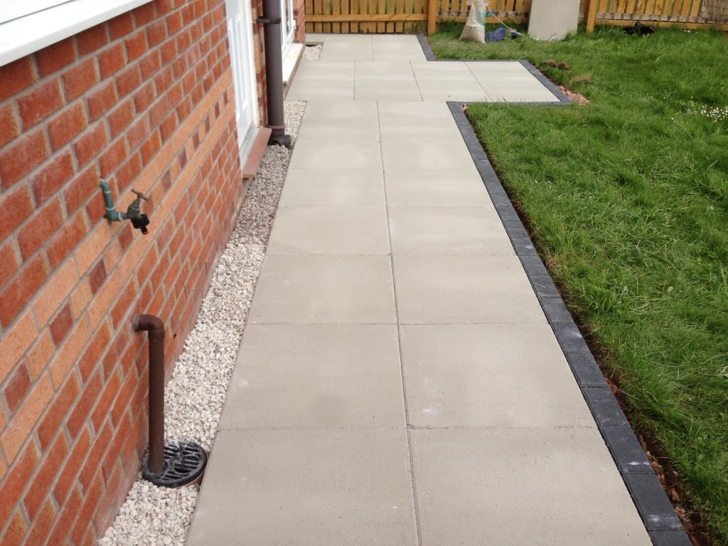 Paving north wales nw contractors for Garden paving designs