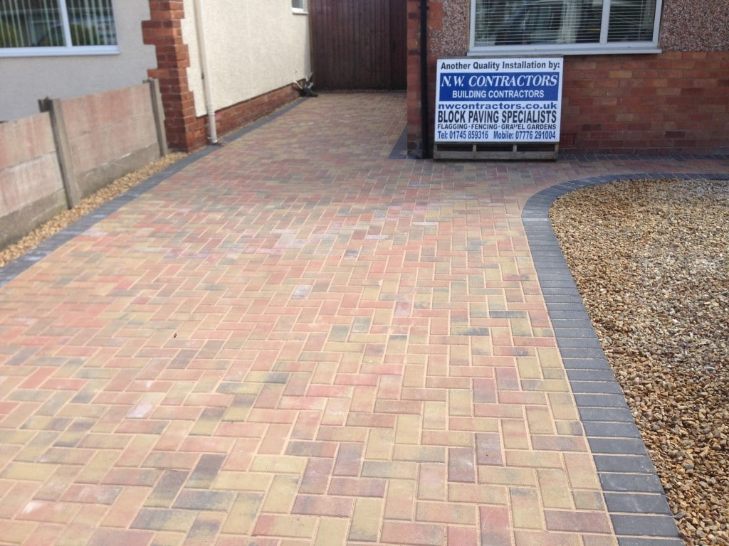 Block paving rhyl north wales for Front garden block paving designs